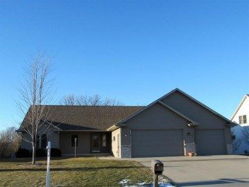 1984 CREEK SIDE Drive, Neenah, WI 54956-9431