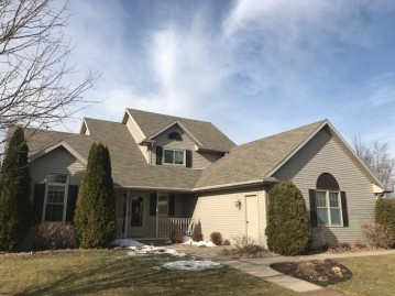 697 EAST RIVER Drive, DePere, WI 54115