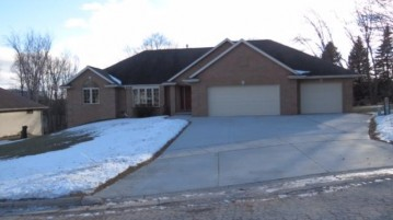 3197 EARLY BIRD Lane, Howard, WI 54314