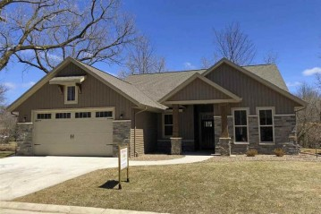 1102 S FORESTBROOK Lane, Grand Chute, WI 54914