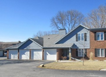 2937 MOSSY OAK Circle, Green Bay, WI 54311-5789