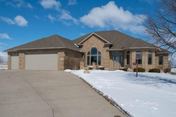 624 LINKSVIEW Court, Wrightstown, WI 54180-1258