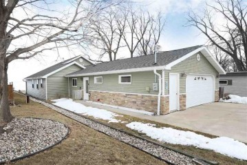 136 RICKERS BAY Road, Neenah, WI 54956