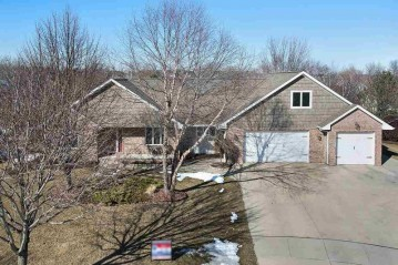 3640 COPPER OAK Circle, Howard, WI 54313-7586