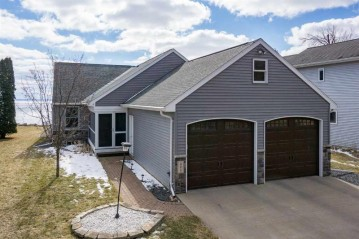 490 RAINBOW BEACH Road, Neenah, WI 54956