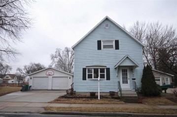 81 CENTER Street, North Fond Du Lac, WI 54937-1170