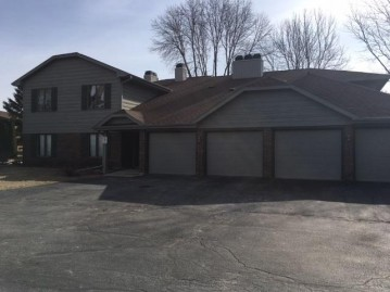 2971 MOSSY OAK Circle, Green Bay, WI 54311