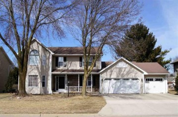 3231 N COUNTRY RUN Drive, Grand Chute, WI 54914-6882