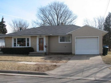 102 LOX Court, Combined Locks, WI 54113-1036