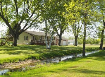 385 HWY J, Little Suamico, WI 54141