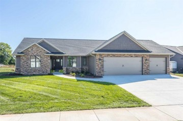 1342 BUCKYS RUN, Howard, WI 54313
