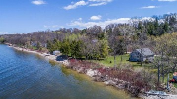2075 SOUTH Road, Brussels, WI 54204
