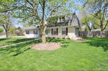 2735 SHERRY Lane, Green Bay, WI 54302-5147