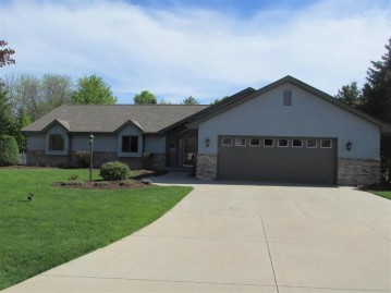 4631 W GRAND MEADOWS Drive, Grand Chute, WI 54914