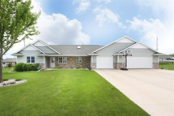 1503 NORTH STAR Court, New London, WI 54961