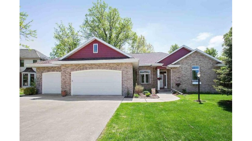 136 OMBRE ROSE Drive Combined Locks, WI 54113-1251 by Landro Fox Cities Realty LLC $349,900