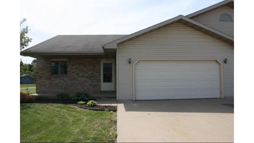 119 WILLIAM Court Hortonville, WI 54944 by RE/MAX 24/7 Real Estate, LLC $154,900