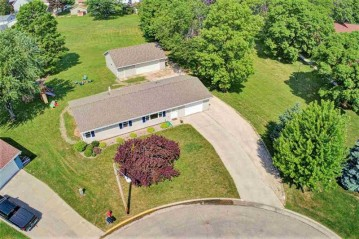 300 JANET Court, Wrightstown, WI 54180-1156