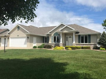 3690 COPPER OAK Circle, Howard, WI 54313