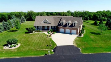 W7470 RIDGESIDE Drive, Greenville, WI 54942