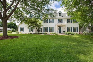 242 OLD ORCHARD Lane, Neenah, WI 54956-4995