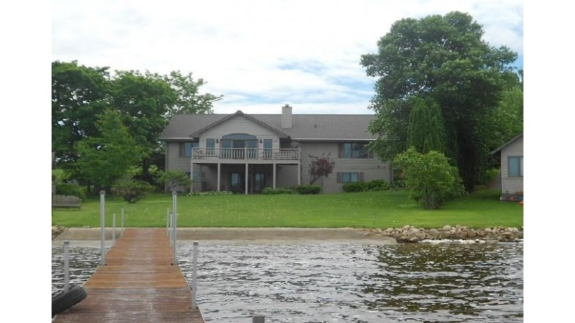 W5268 E SANDY Drive Washington, WI 54166 by Warren, Nett & Associates, LLC $379,900