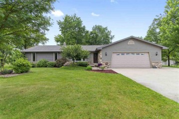 9385 N OAKWOOD Avenue, Clayton, WI 54956