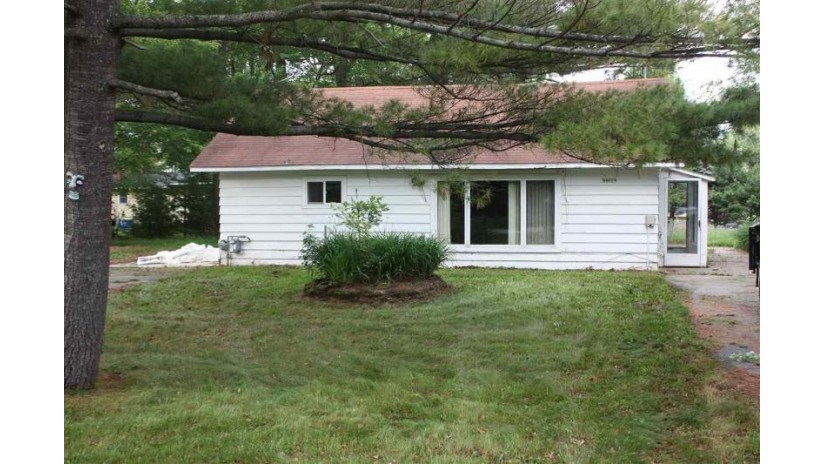 N6004 MORK Avenue Wescott, WI 54166-3947 by Coldwell Banker The Real Estate Group $39,900