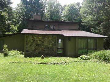9155 N BIG LAKE Road, Red Springs, WI 54128