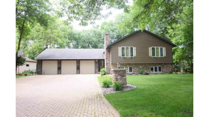 2840 CASTLE HILL Lane Green Bay, WI 54302-5217 by Coldwell Banker Real Estate Group $249,900