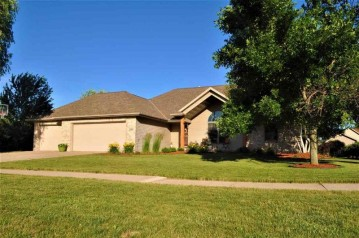 2385 RED TAIL GLEN, DePere, WI 54115-1637