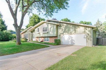 495 EDELWEISS Drive, Green Bay, WI 54302-5113