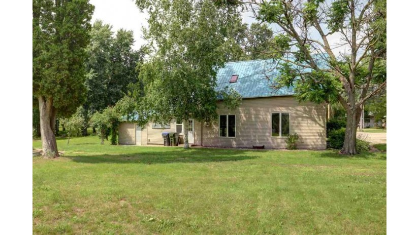 N5685 ISLAND Street Shiocton, WI 54170-8507 by Century 21 Affiliated $89,900