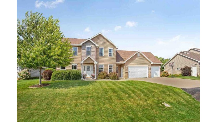 837 SUNDIAL Lane Neenah, WI 54956 by Coldwell Banker Real Estate Group $324,900