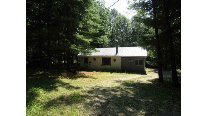 N6716 BLACK OAK Circle Wescott, WI 54166-1760 by RE/MAX North Winds Realty, LLC $53,900