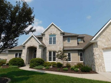 409 HIDDEN RIDGES Way, Combined Locks, WI 54113