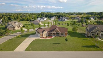 5039 W RED BARN Court, Grand Chute, WI 54913-8540