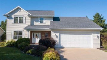 4704 W GRAND MEADOWS Drive, Grand Chute, WI 54914