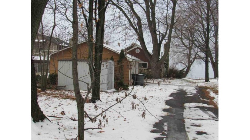 N5801 ROCKLAND BEACH Road Stockbridge, WI 54129-9208 by RE/MAX 24/7 Real Estate, LLC $145,000
