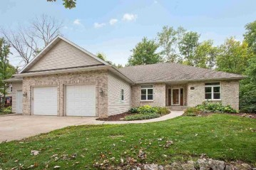 230 BURNING TREE Court, Wrightstown, WI 54180-1233