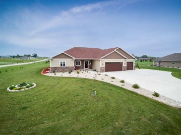 5141 NOTRE DAME Drive, Omro, WI 54963-0000