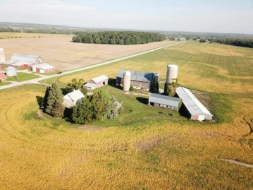 1010 CURVE Road, Brussels, WI 54213-9713