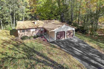 5842 WEDGEWOOD Drive, Little Suamico, WI 54141-8613
