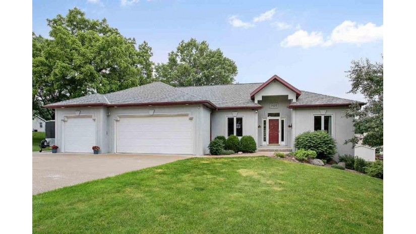 2520 INDIAN HILL Drive Howard, WI 54313-4900 by Dallaire Realty $264,900