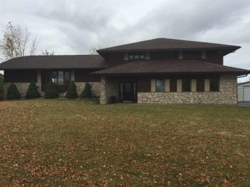 1175 SWAMP Court, Brussels, WI 54204-9691