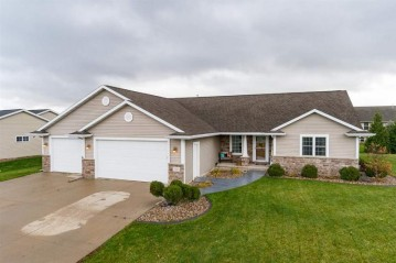 535 COONEN Drive, Combined Locks, WI 54113-1404