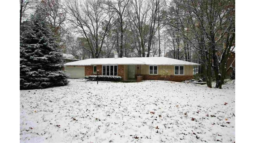 2577 CHERRYWOOD Lane Green Bay, WI 54304-1951 by Coldwell Banker Real Estate Group $182,500
