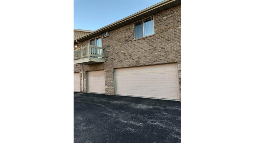 3325 N CASALOMA Drive Grand Chute, WI 54913-0024 by Thiel Real Estate $129,900