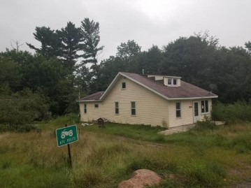 14353 HWY W, Mountain, WI 54149