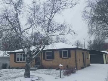 1241 LANGLADE Avenue, Green Bay, WI 54304-3279